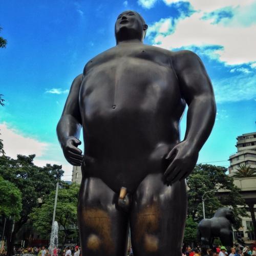 Botero Plaza Hombre Caminante Medellin Colombian Cultural Quirks